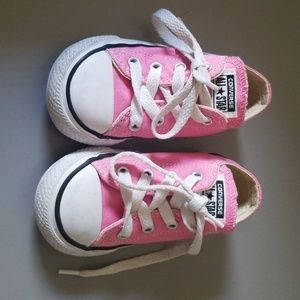 Size 6 girl toddler converse.